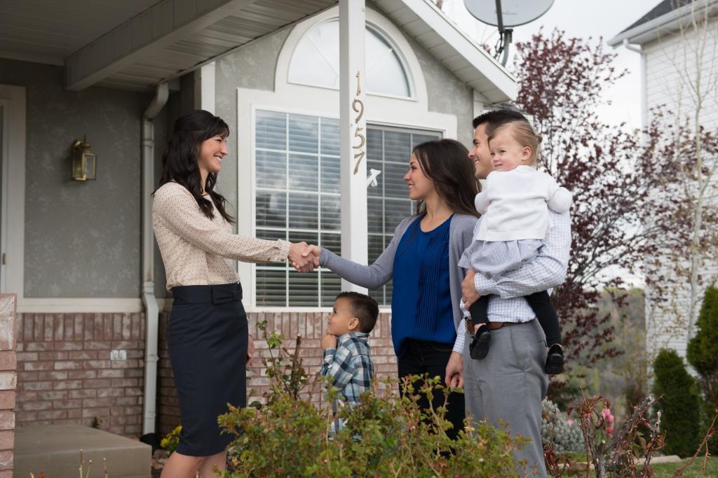 Family Looking at a San Antonio Rental Property