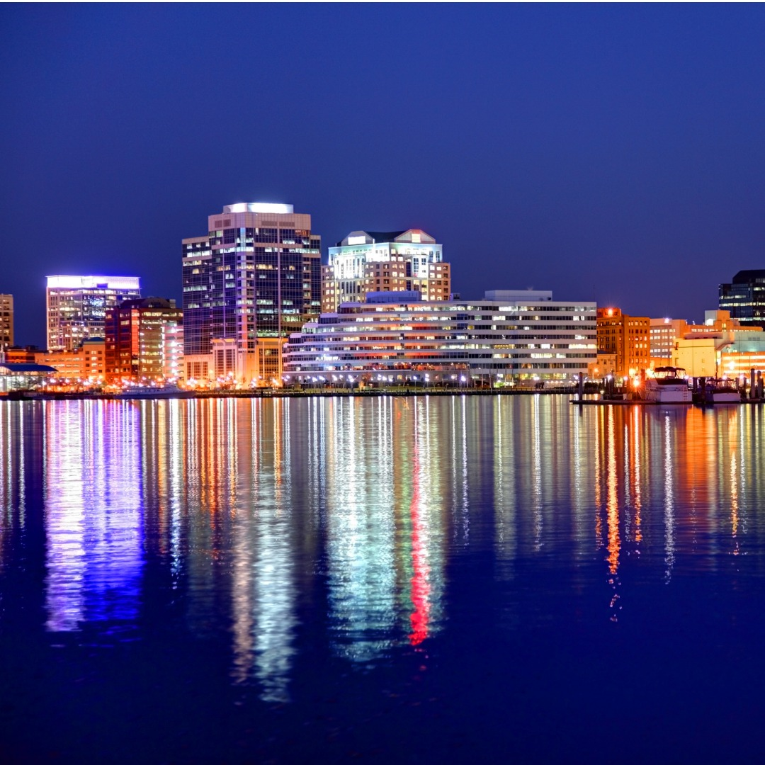 Norfolk, Virginia, skyline at night
