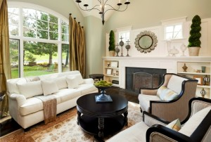 54ff82282ac26-living-room-green-window-de