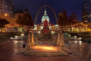 kiener_plaza_at_christmas