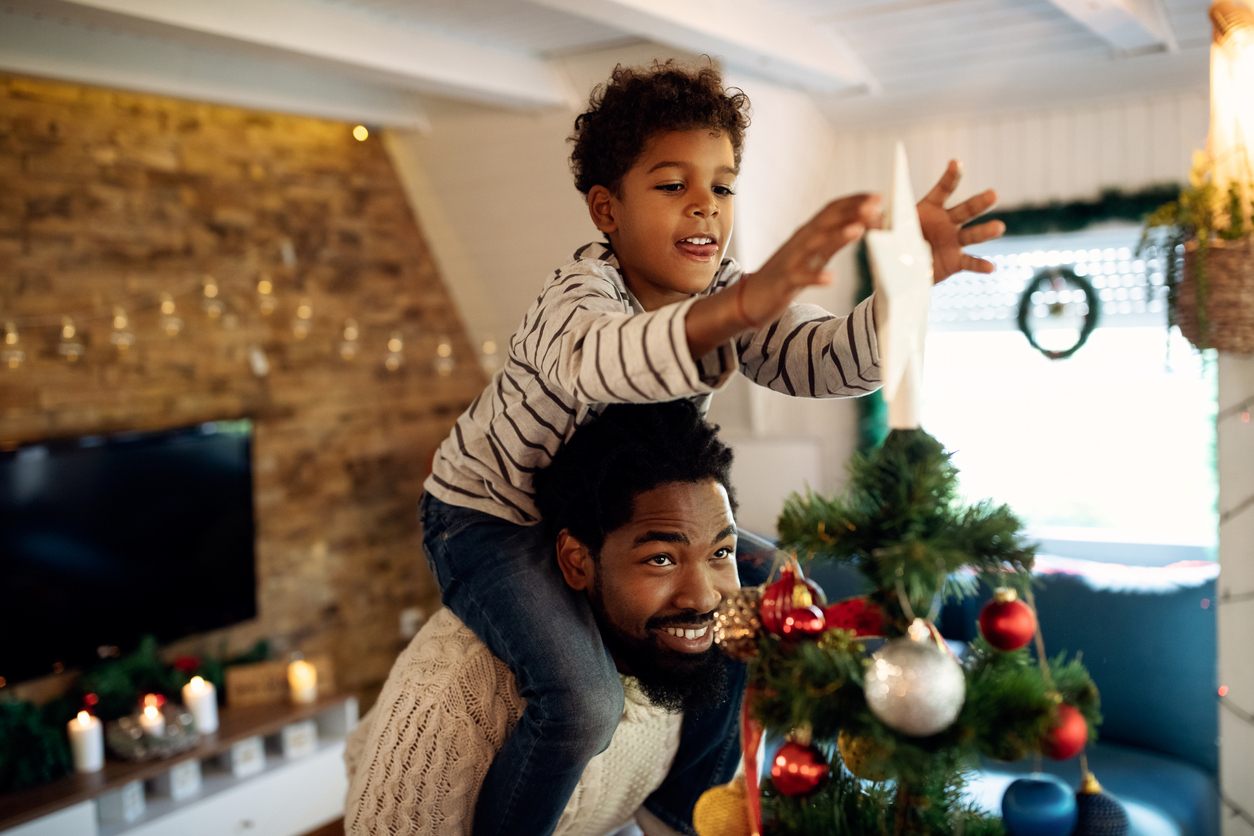 Lake Wales Family Decorating Their Christmas Tree