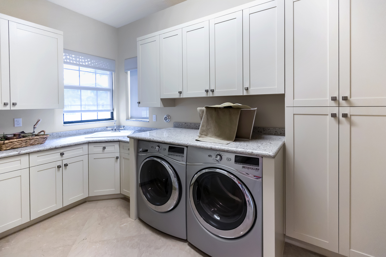 Houston Rental Property Equipped with a New Electric Dryer and Washing Machine