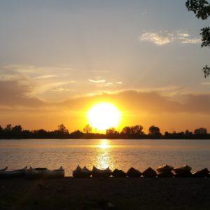 Sunset over creve coeur lake