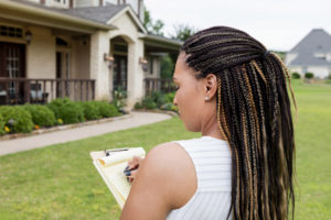 Dallas Property Manager Evaluating a Rental Property