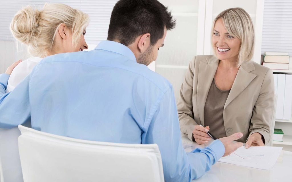 7 WAYS TO COMMUNICATE BETTER WITH YOUR TENANTS.