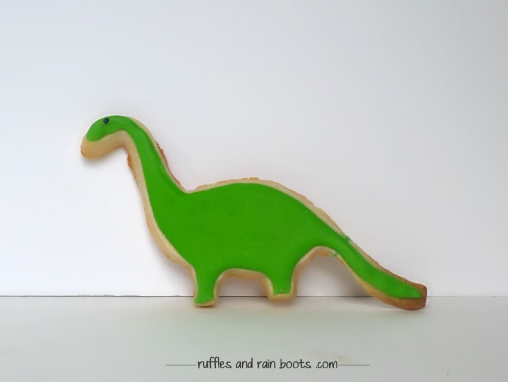 brontosaurus-decorated-cookie-dinosaur-theme