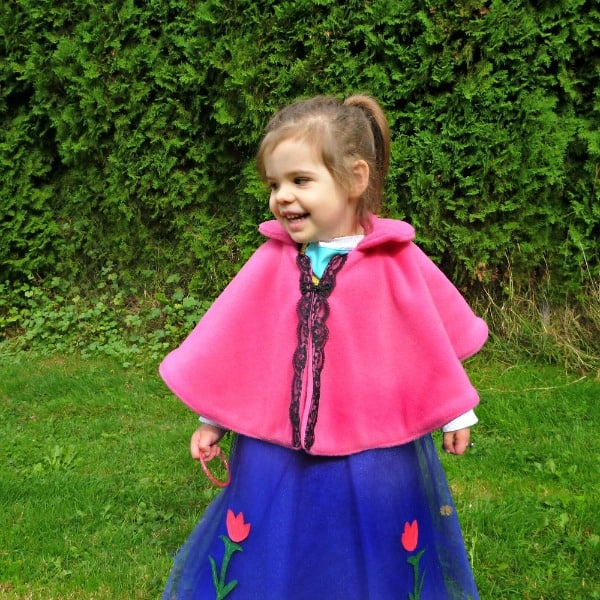 No-Sew Princess Anna Cape for Disney's FROZEN Costume