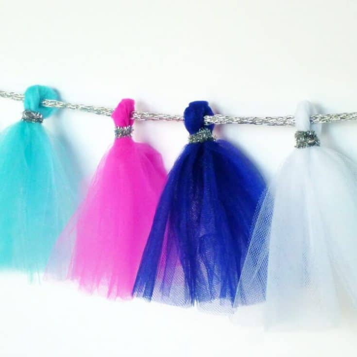 Easy Ball Gown Garland - A Tulle Garland for a Princess Party