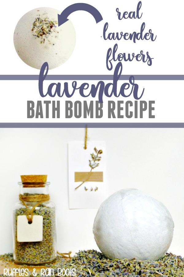These lavender bath bombs are designed to soothe and calm. Using only natural ingredients, they're perfect for gifting, too. #christmas #diychristmas #bathbombs #diybeauty #bathrecipes