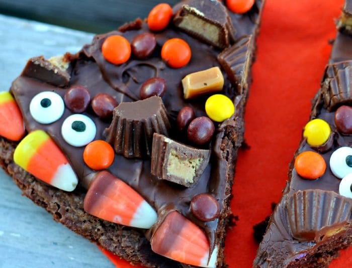 This Halloween Dessert Pizza is just one of the 15 Spooky and Sweet Desserts