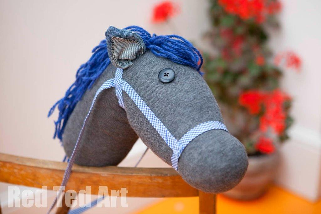 Here's a list of 20 of the cutest DIY sock toys and tutorials for holiday gifts, keepsakes, and fun.