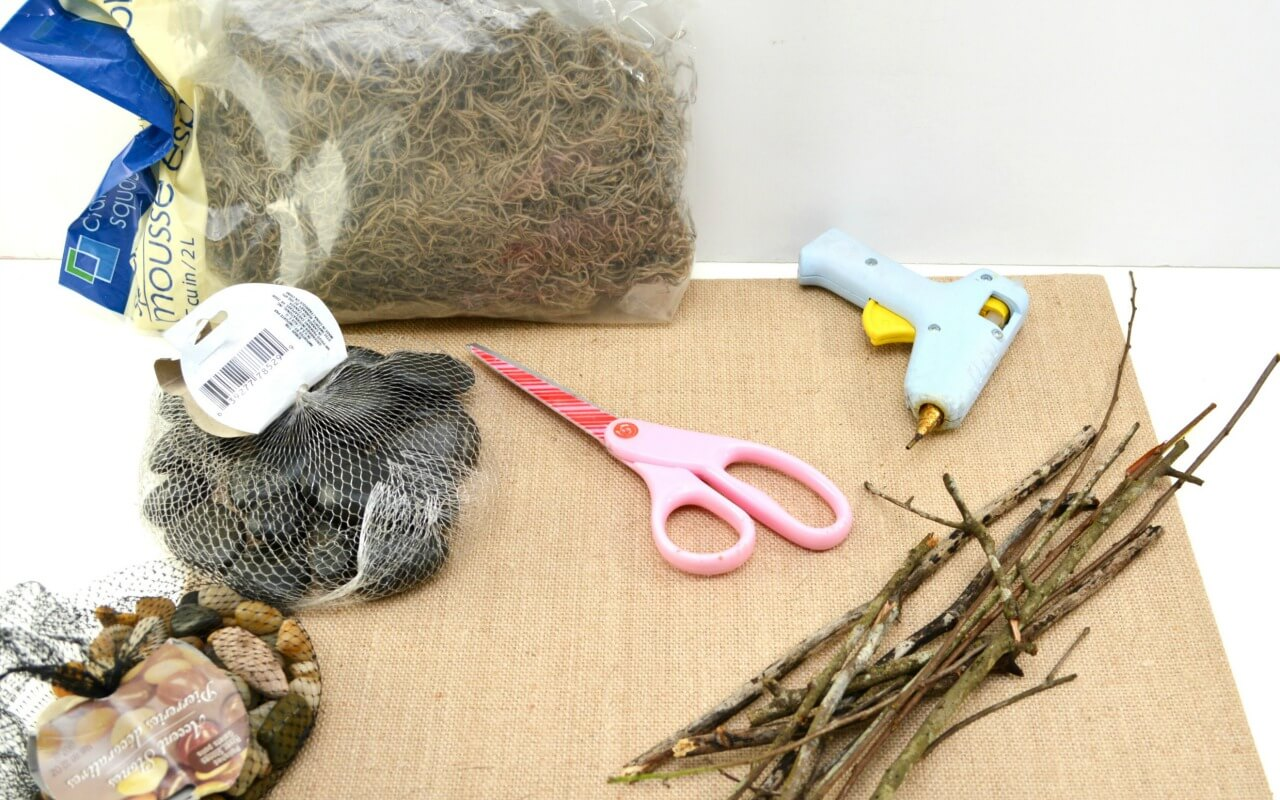 Supplies for a simple farmhouse nativity craft