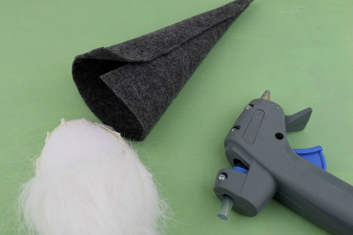 how to make a gnome hat from felt