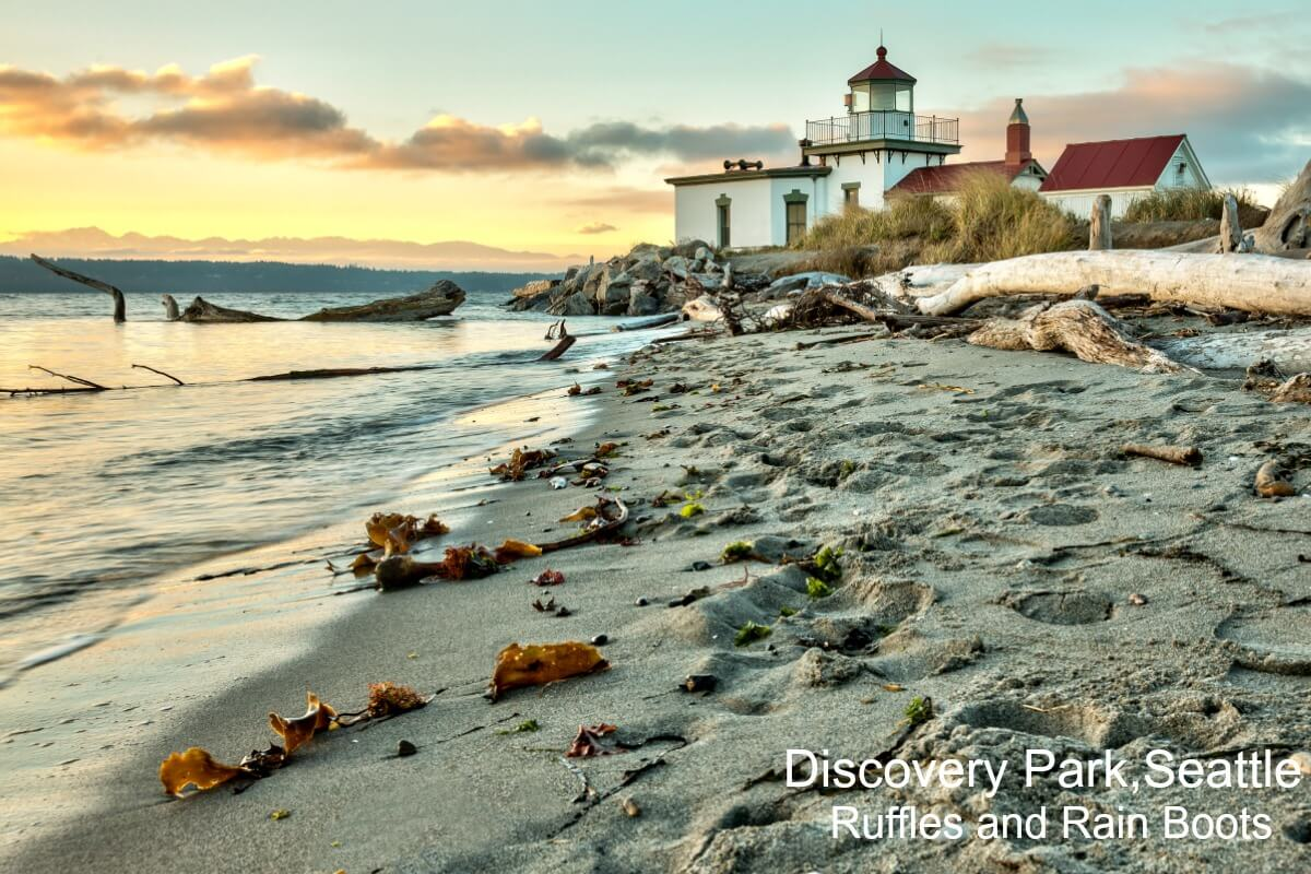 Where to take kids in Seattle Washington Park Hike Discovery Park Lighthouse