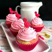 Flamingo Cupcakes for an Easy-Peasy Summer Vibe