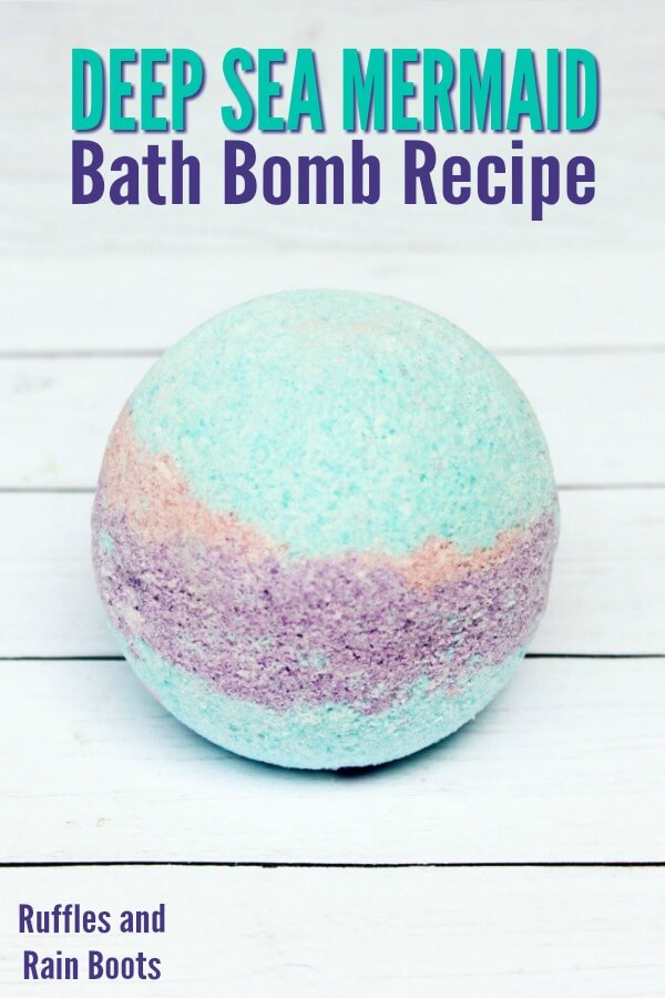 These mermaid bath bombs smell divine and are quick to put together with an easy bath bomb recipe. Any mermaid lover or gal who just needs the sea will LOVE these bath bombs. #bathbombs #mermaid #mermaidbathbombs #sprinklebathbombs #easybathbombs #DIYbath #DIYbeauty #rufflesandrainboots