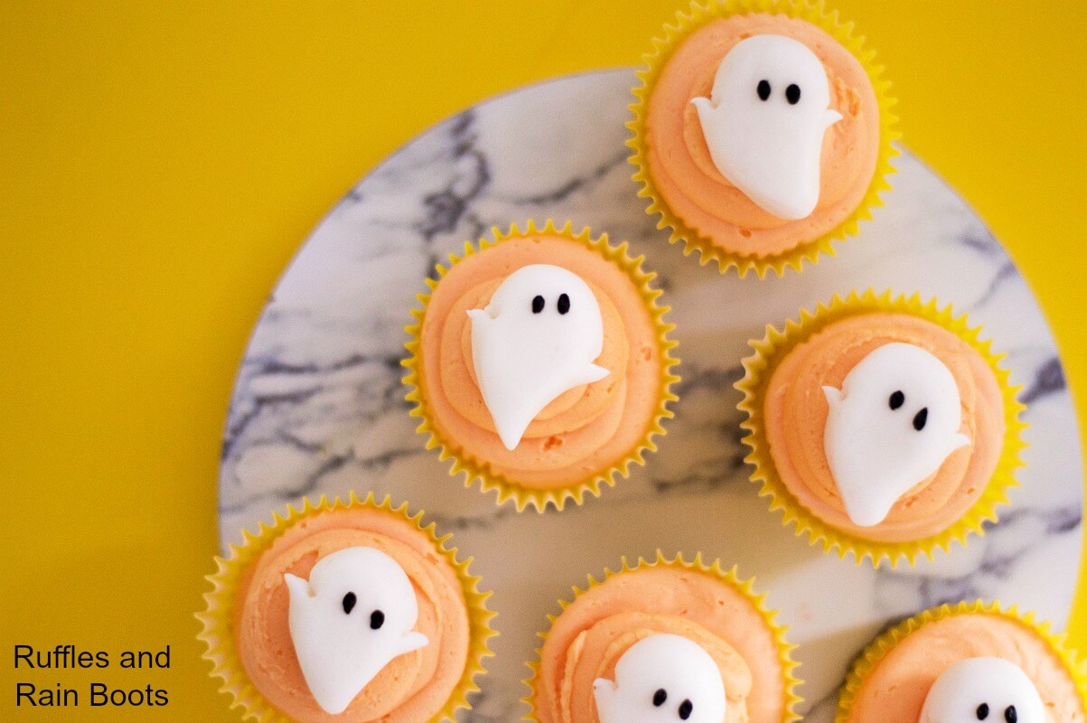 Make these easy ghost cupcakes for a non-scary Halloween cupcake treat.