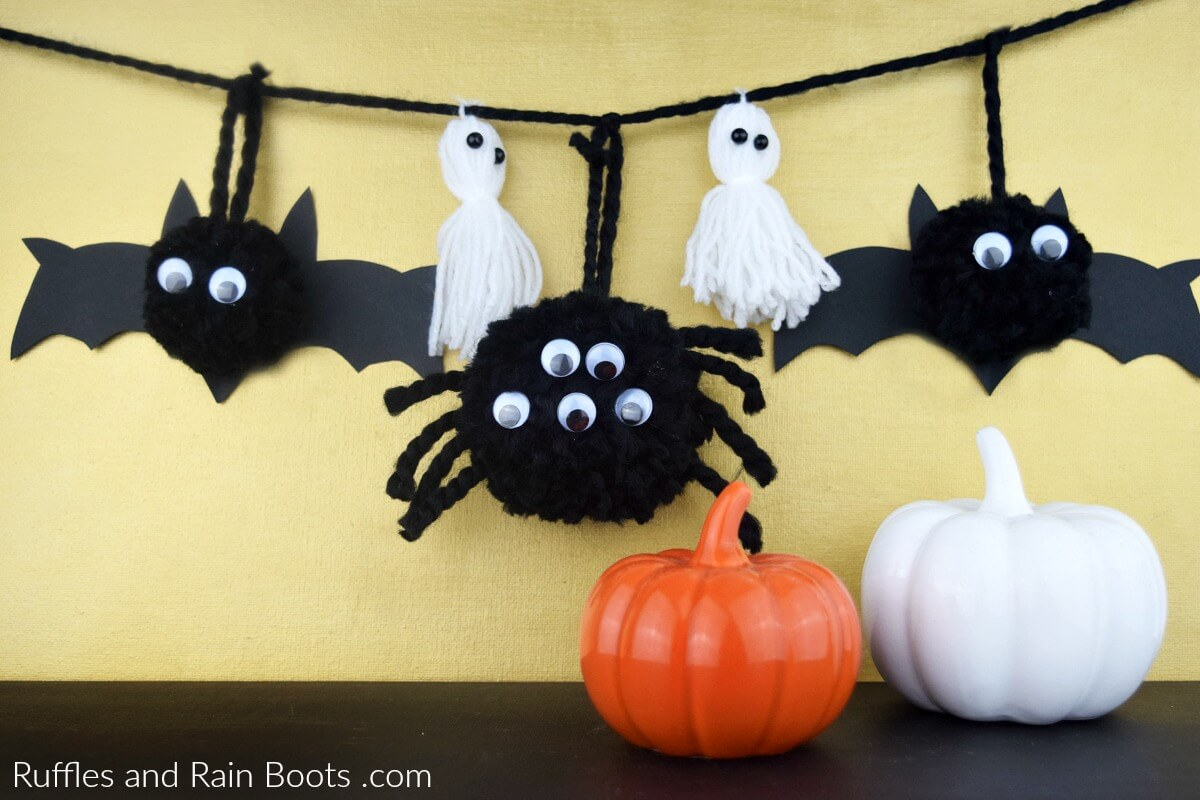 Halloween Pompom Banner for Kids Bat Pompom Spider Pompom Ghost pompom