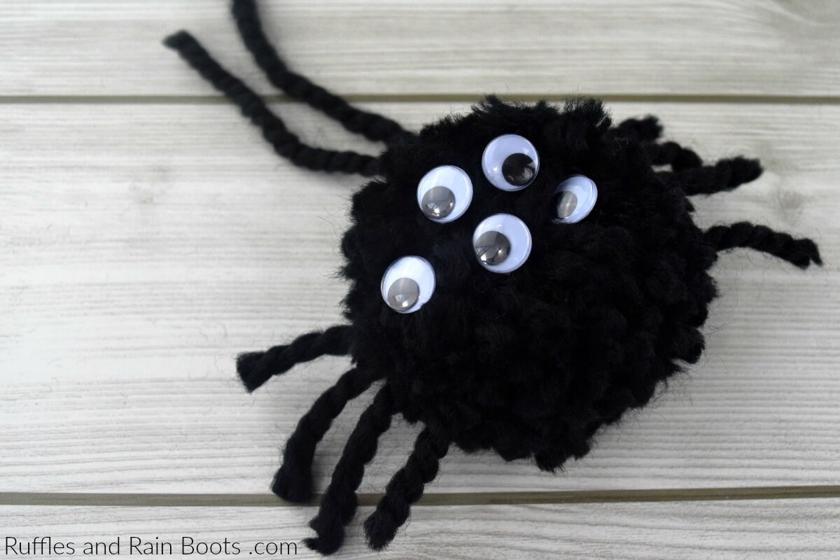 Spider Pompom - How to Make a Pompom Spider