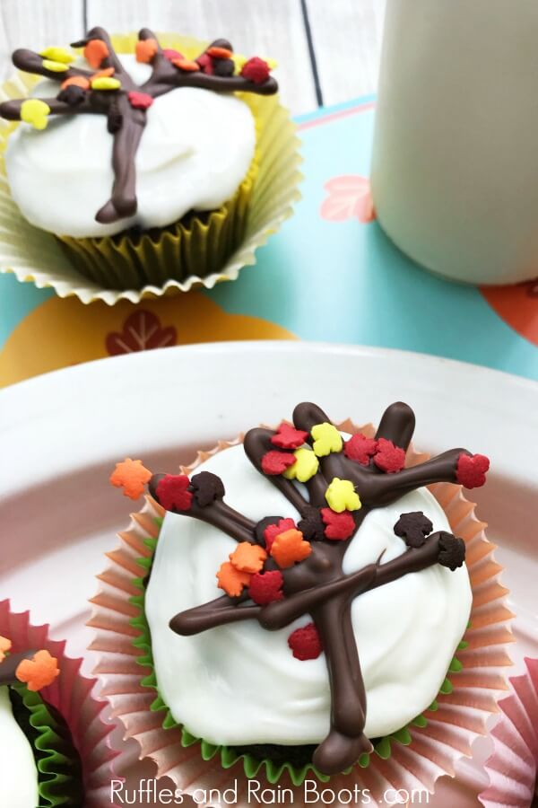 Fall Tree Cupcakes An Easy Fall Cupcake Decoration Ruffles And