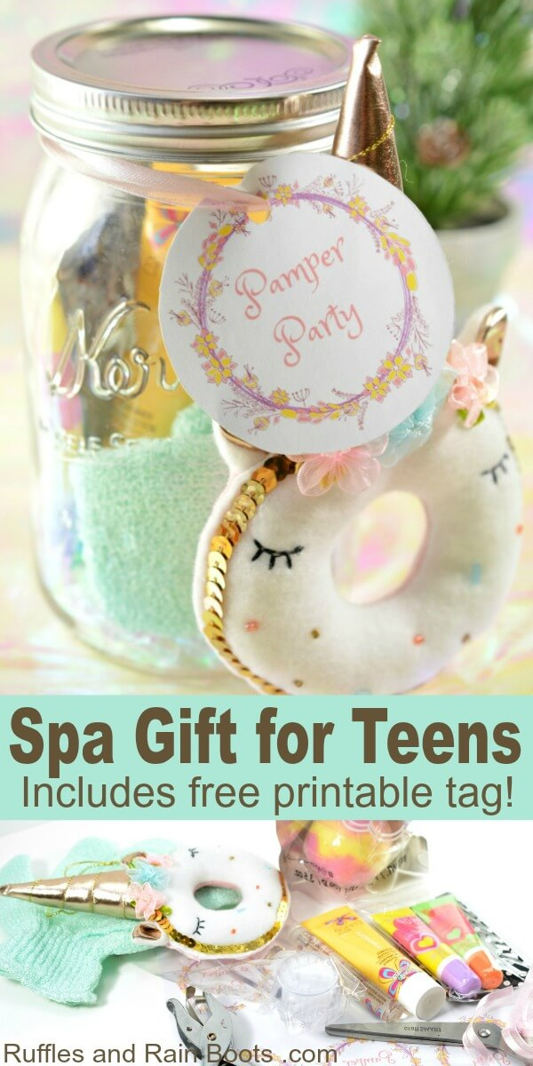 This spa mason jar gift idea for teens is a quick Christmas gift idea for the tween or teen in your life. It's easy to make many at a time, making it perfect for dance, cheer, or a group of friends. #masonjargifts #giftideasforteens #spagifts #diyChristmas