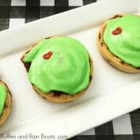 Easy Grinch Cinnamon Rolls Recipe – Kids Will Love It!
