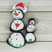 Snowman Story Stones Rock Painting Idea