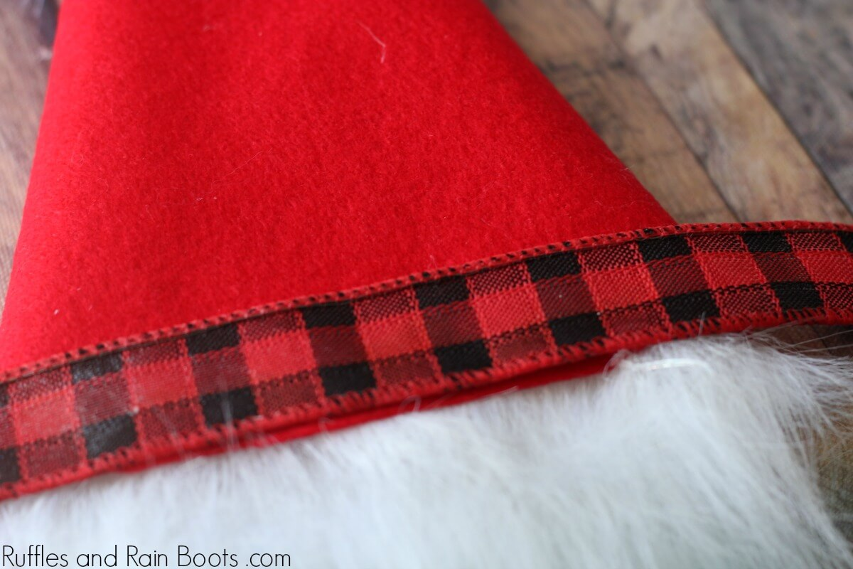 how to make a Christmas gnome hat