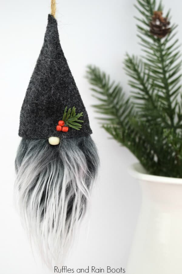 Christmas Gnome Ornaments - A Quick, Adorable Craft