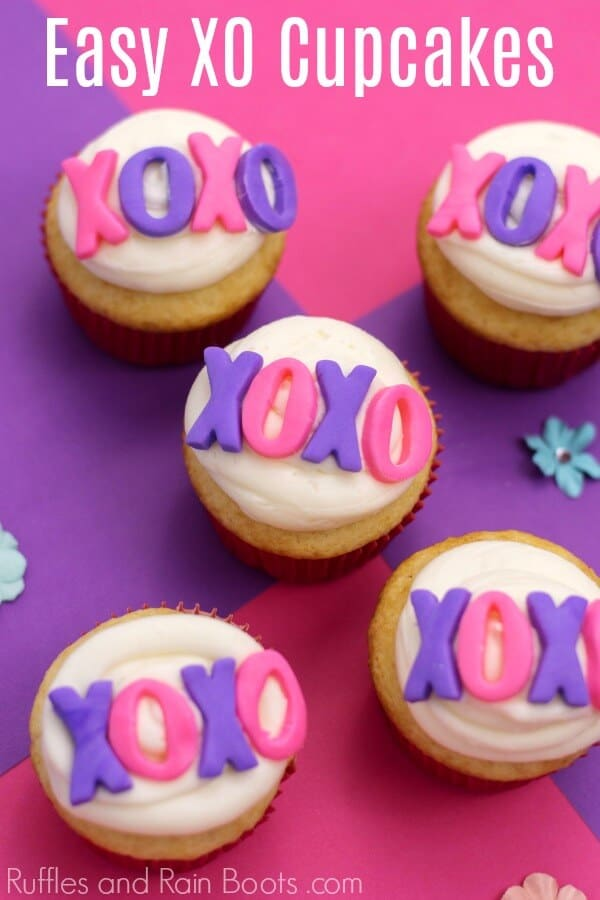 These fun and easy XO cupcakes for Valentine's Day are perfect for a class party. Click to see her awesome tips! #valentinesday #valentinescupcakes #cupcakedecoratingideas #cupcakeideas #cupcakerecipes #rufflesandrainboots