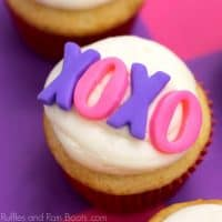 Fun XO Cupcakes for Valentine's Day