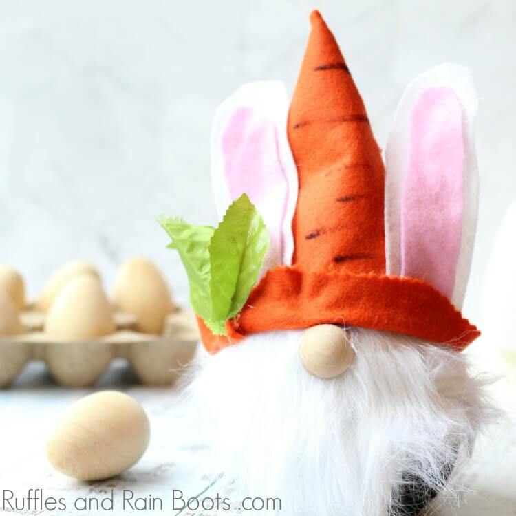 Easter Gnome – The Perfect Easter Bunny Gnome DIY!