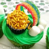 Easy Pot of Gold Cupcakes for St  Patrick's Day