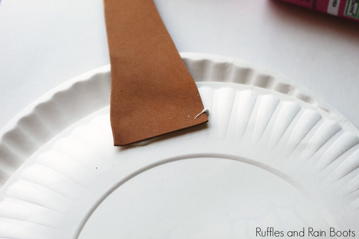 unicorn paper plate craft close up of horn