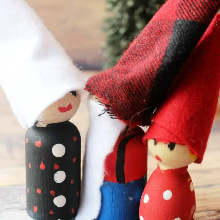 Adorable Gnome Peg Dolls Craft for Kids