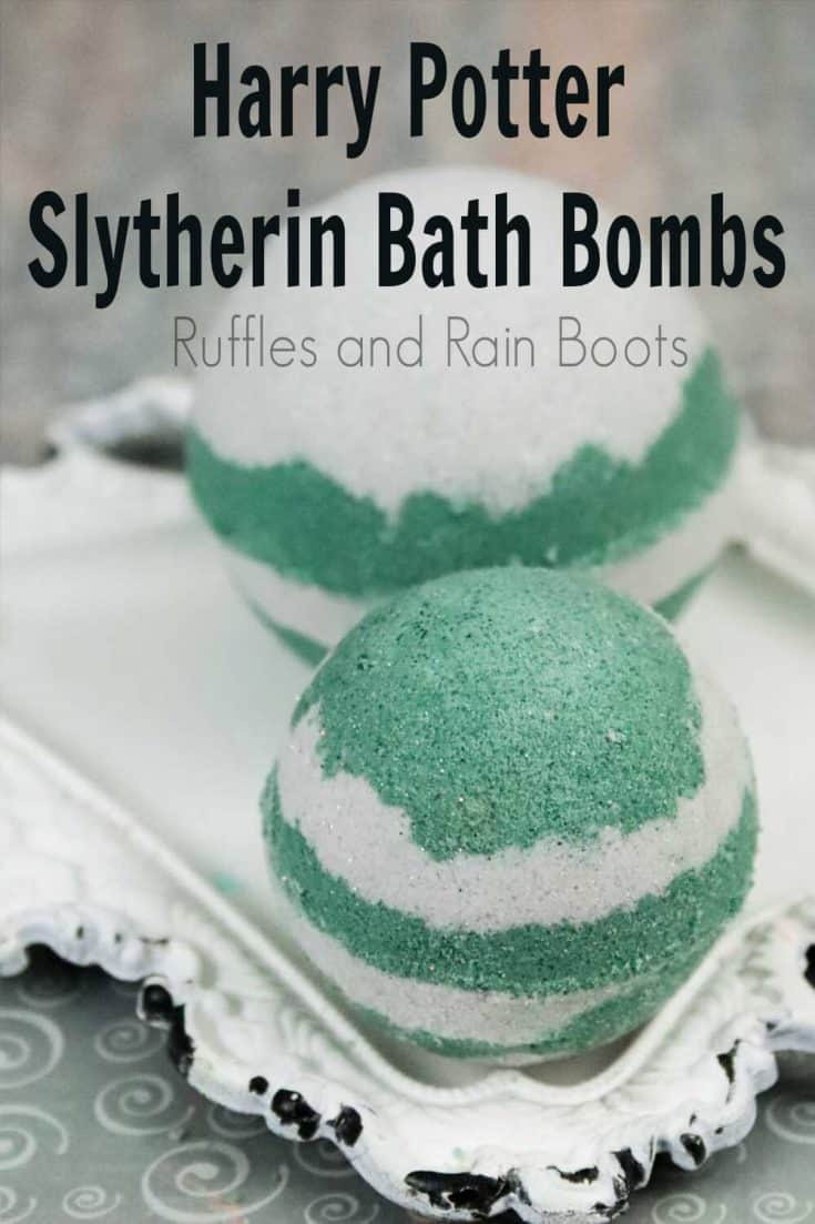 This easy Slytherin bath bomb recipe is such a cool Harry Potter gift idea! Click here to see how she makes this fun Slytherin idea come to life in just a few steps! #slytherinbathbomb #harrypotterbathbombs #hogwartshousesbathbombs #harrypottergiftidea #rufflesandrainboots