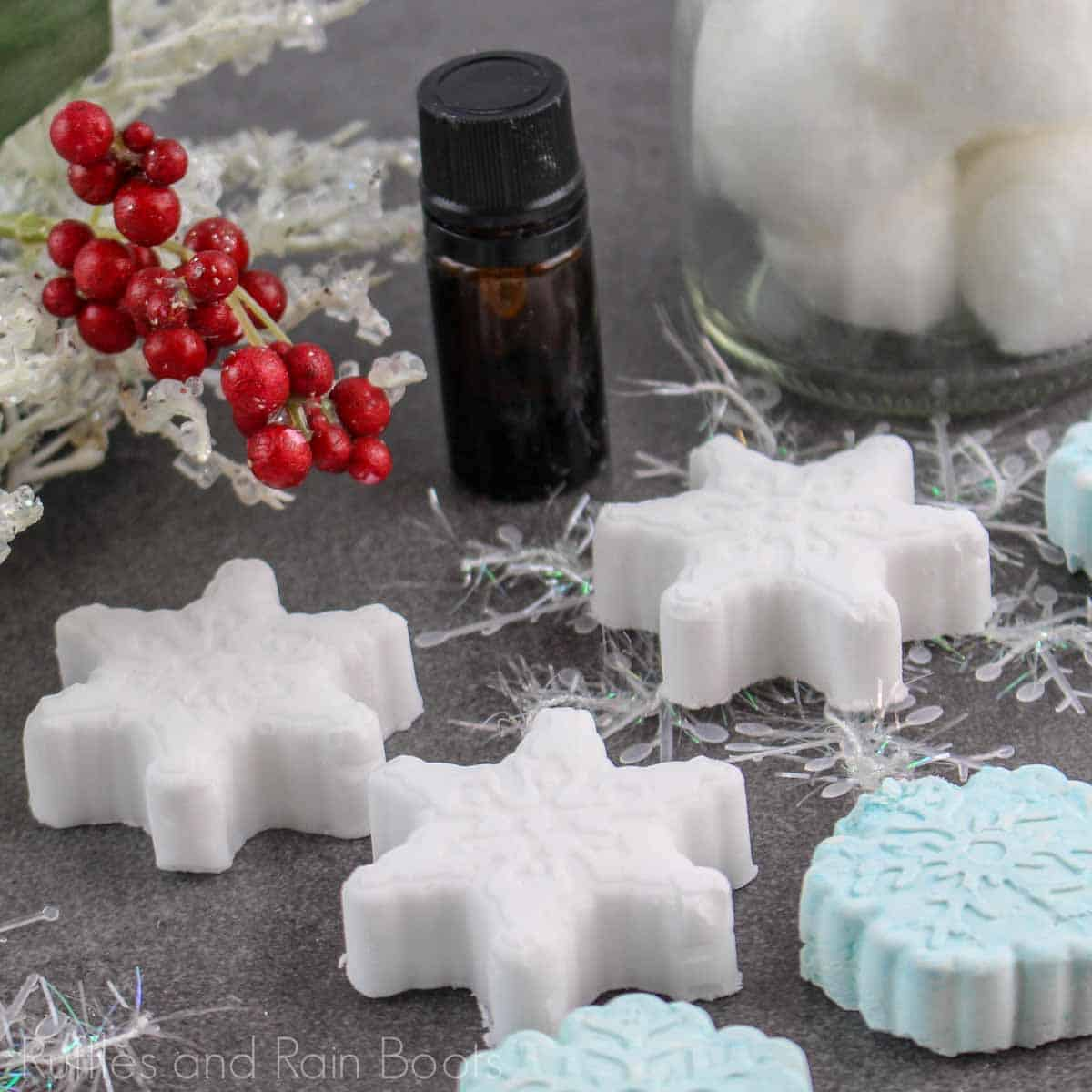 This Snowflake Shower Fizzy is the Perfect DIY Gift