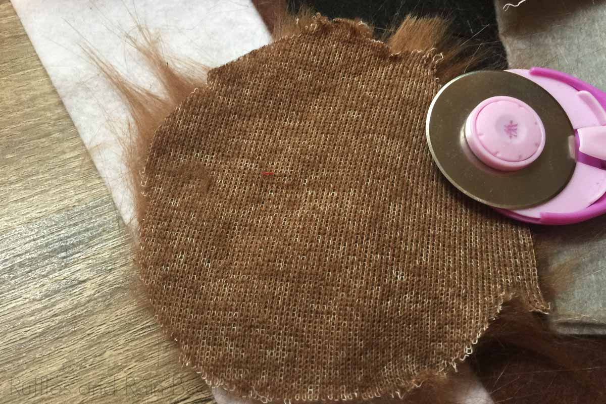 how to cut all pieces from fur and felt for diy star wars mouse ears for disney