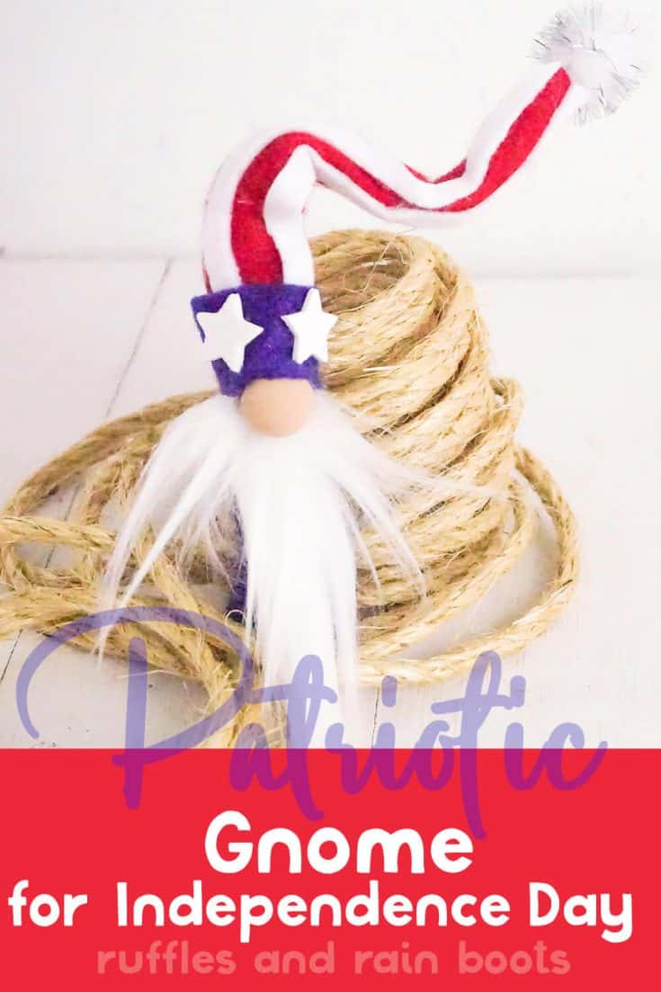 I love this adorable patriotic gnome! It's the cutest July 4th craft I've ever seen.  Click through to see how to make this no-sew July 4th gnome in minutes! #july4thgnome #patrioticgnome  #diygnome #gnomes #gnome #rufflesandrainboots