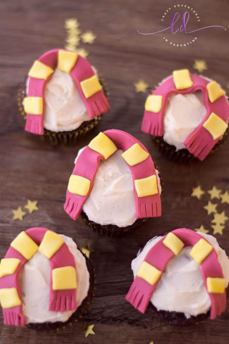 Harry Potter Cupcakes with Gryffindor Scarves