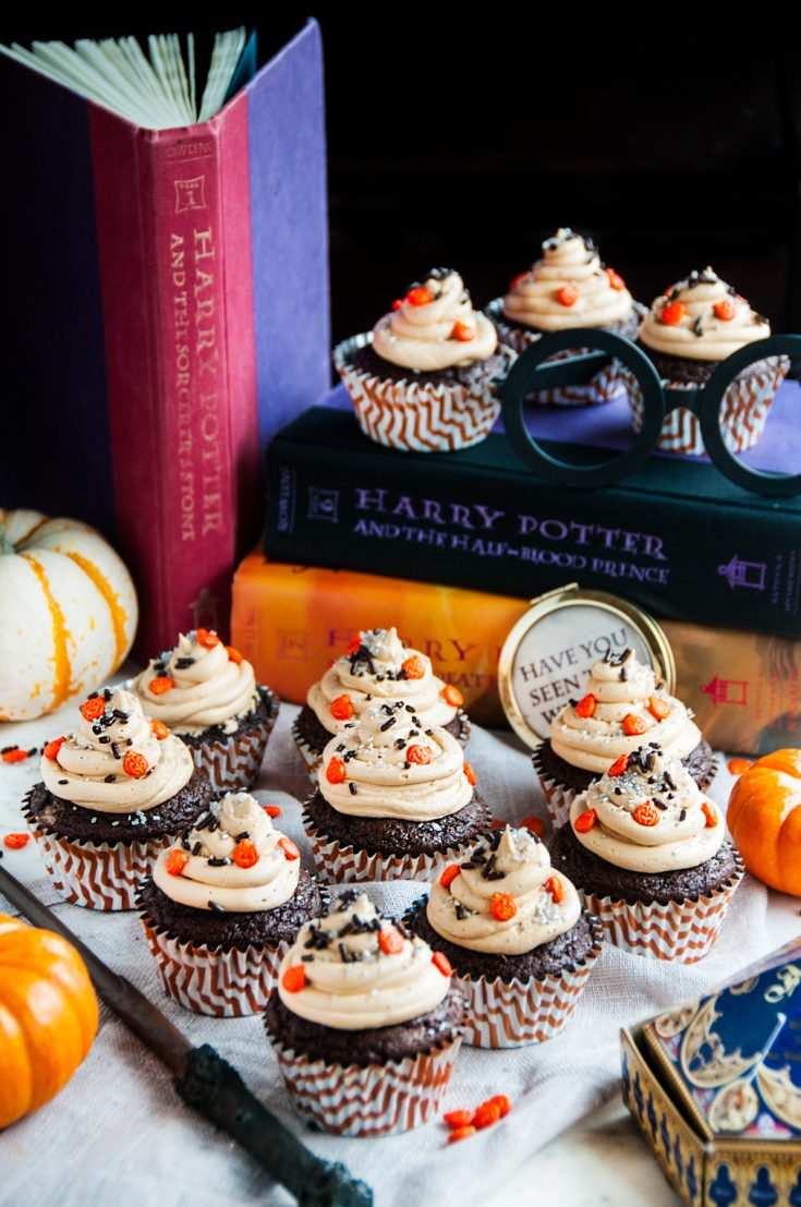 Chocolate Pumpkin Cupcakes with Butterbeer Frosting