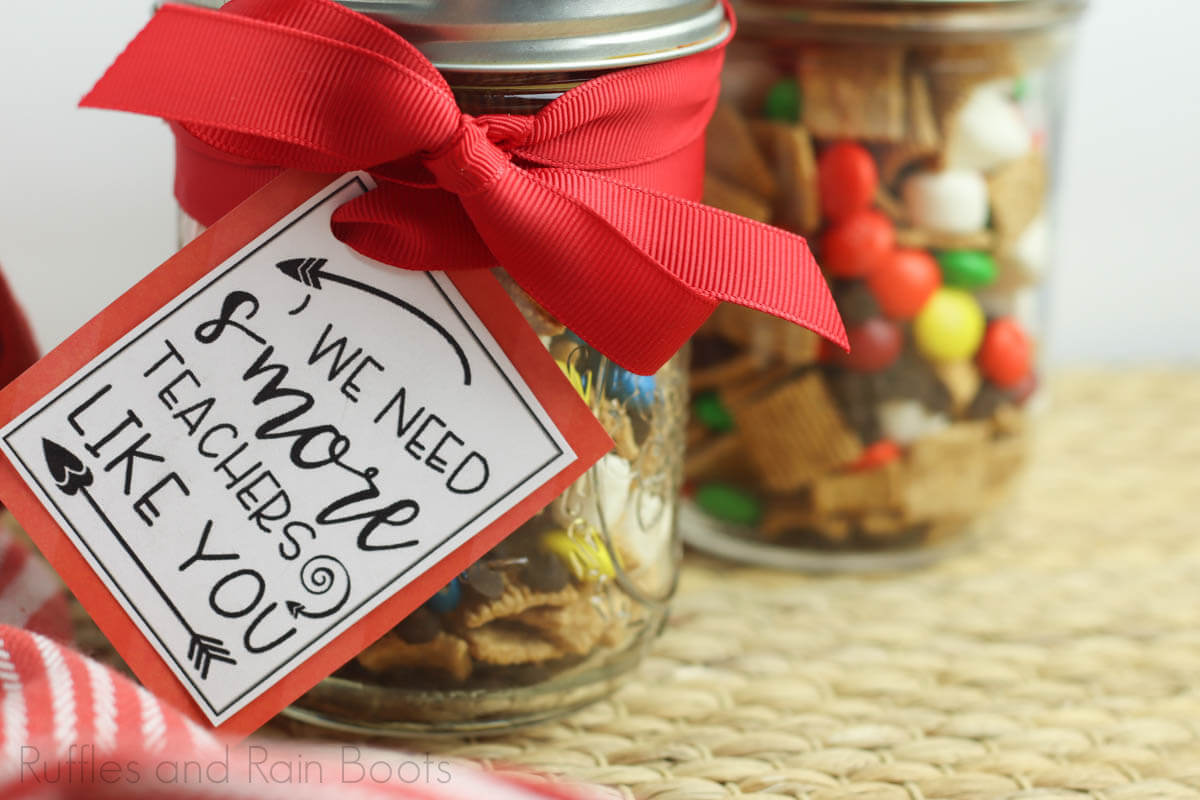how to make a smores snack jar gift for teachers step 7 tie on tag with ribbon