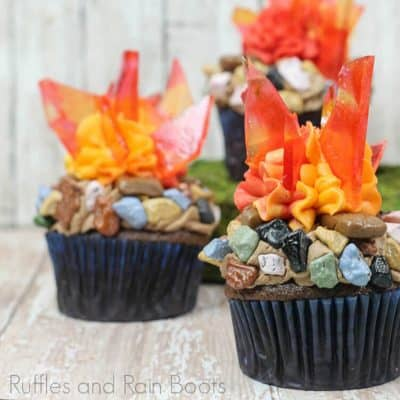 These Campfire Cupcakes are a WOW-Worthy Treat for Summer