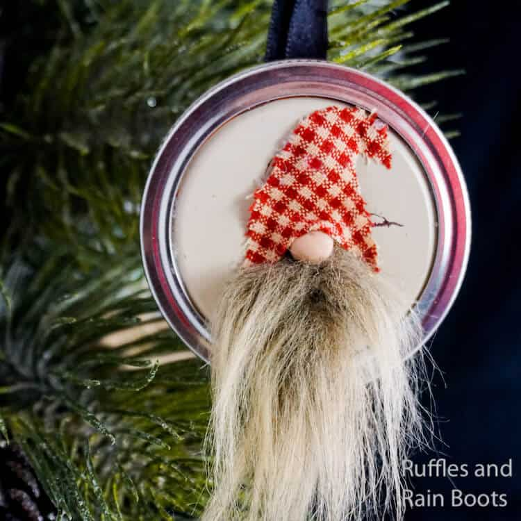how to make a christmas ornament nisse