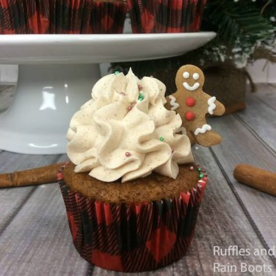 Gingerbread Cupcakes are the Perfect Christmas Cupcake