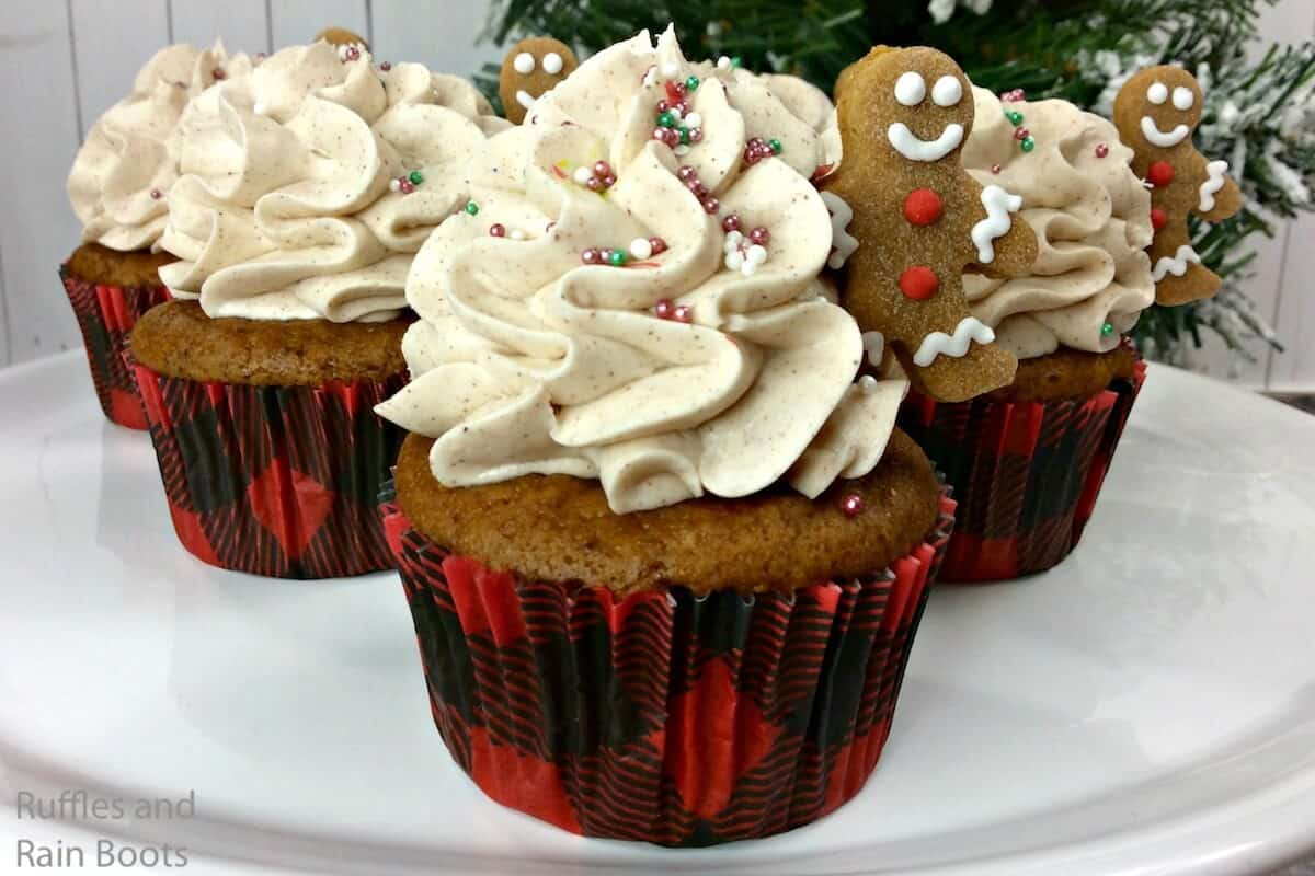 how to make gingerbread man cupcakes