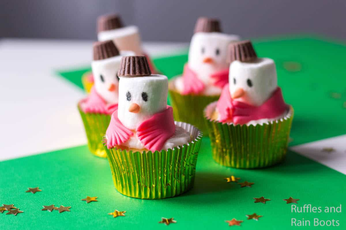 how to make easy snowman cupcakes