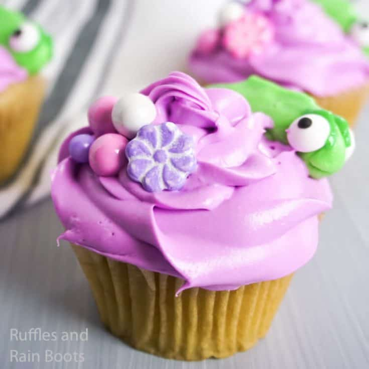 how to make cupcakes with pascal from rapunzel