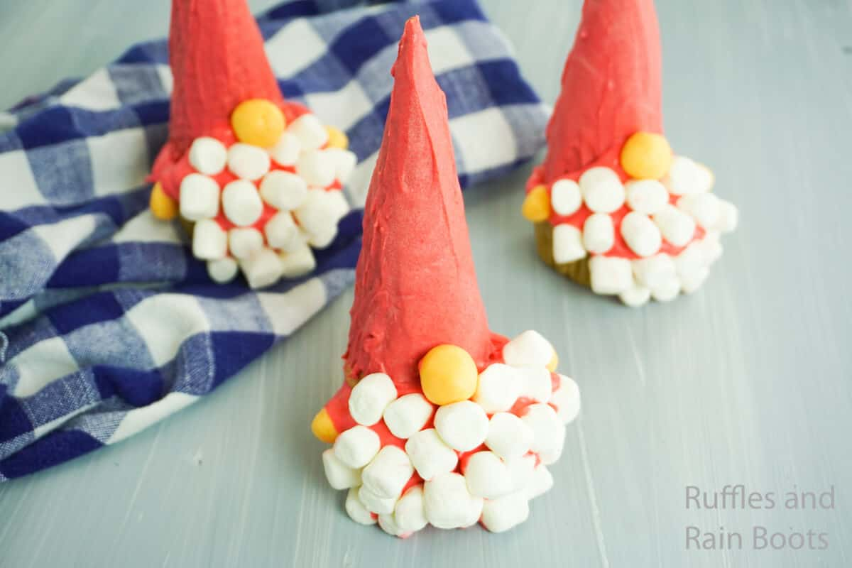 how to make gnome cupcakes with an ice cream cone