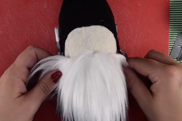 easy gnome tutorial step 8 glue face and fur to the gnome body
